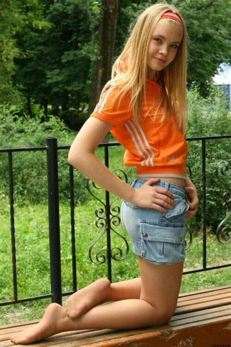 young teen girl blonde feet pics